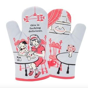 One NWT Blue Q Oven Mitt This is delicious Chef
